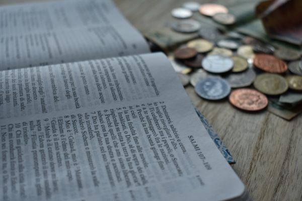 Strumentalizzare la religione