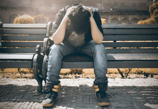 Dalla solitudine alla redenzione: il grido di aiuto dei nostri adolescenti